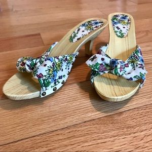 Floral Studded Bow Tie Faux Wood Mule Heels